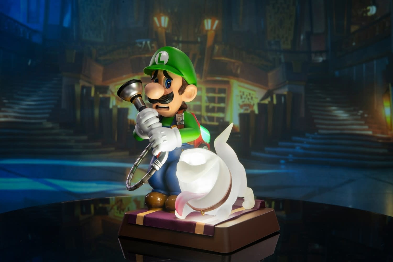 First 4 Figures Luigi's Mansion 3: Luigi 9 inch PVC Collector's Edition
