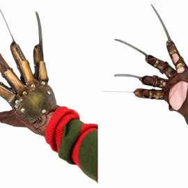 NECA A Nightmare on Elm Street: Dream Warriors - Freddy's Glove Prop Replica