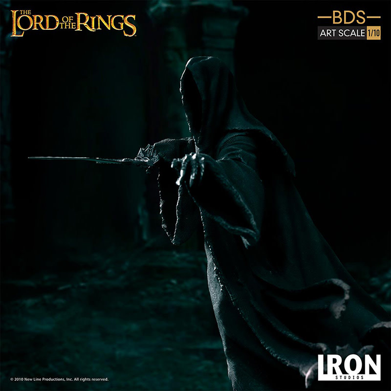 Iron Studios Lord of the Rings: Attacking Nazgul 1:10 Scale Statue