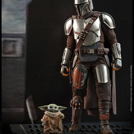 FUNKO Star Wars: The Mandalorian and The Child 1:6 Scale Figure Set