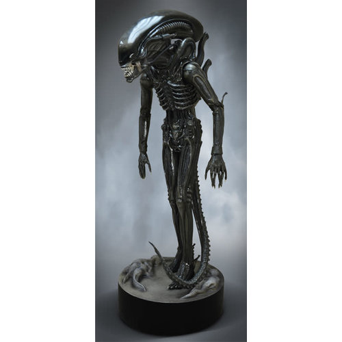 Hollywood Collectibles Alien: Big Chap 1:1 Scale Statue