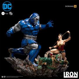Iron Studio DC Comics: Wonder Woman Vs Darkseid 1:6 Scale Diorama by