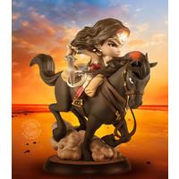 DC Comics: Wonder Woman on a Horse Q-Fig Max PVC Diorama