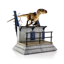 Chronicle Collectibles Jurassic Park: Breakout Raptor Statue