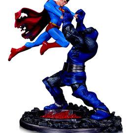 Sideshow Toys DC Comics: Superman vs Darkseid Battle - Third Edition Statue