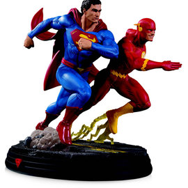 Sideshow Toys DC Comics Gallery: Superman vs Flash Racing 2nd Edition Statue