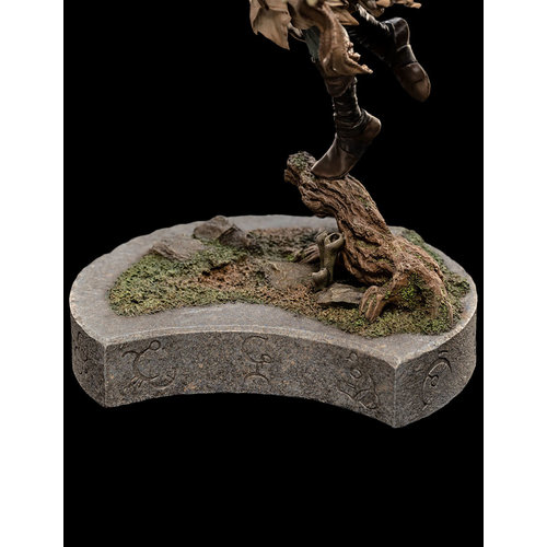 WETA Workshops Dark Crystal: Age of Resistance - Deet the Gelfling Statue