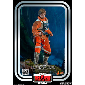 Hot toys Star Wars: The Empire Strikes Back - Luke Skywalker Snowspeeder Pilot 1:6 scale figure