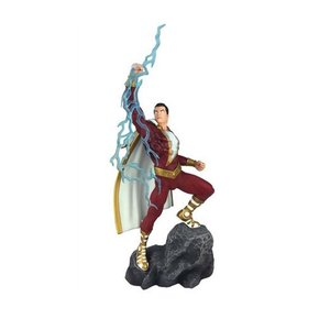 DIAMOND SELECT TOYS DC Gallery:  Shazam! Comic  PVC Figure