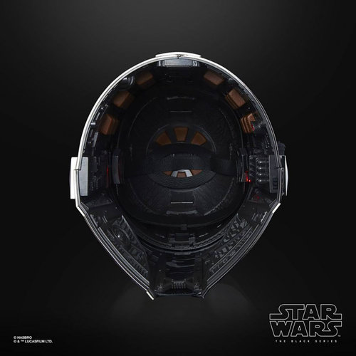 HASBRO Star Wars: The Black Series - The Mandalorian Electronic Helmet