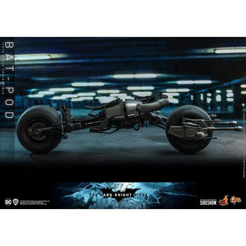 Hot toys DC Comics: The Dark Knight Rises - Bat-Pod 1:6 Scale Replica
