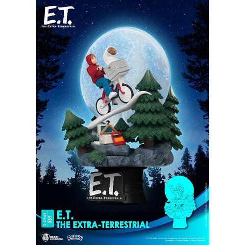 Beast Kingdom E.T. the Extra-Terrestrial: E.T. PVC Diorama