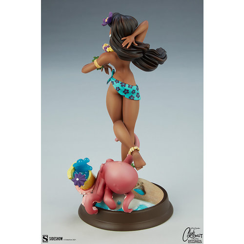 Sideshow Toys Club Coconut Collection: Island Girl Statue