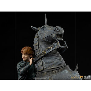 Iron Studios Harry Potter: Deluxe Ron Weasley at the Wizard Chess 1:10 Scale Statue