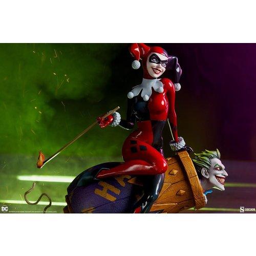 Sideshow Toys DC Comics Harley Quinn and The Joker Diorama