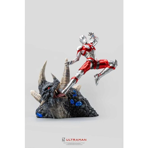 PURE ARTS Ultraman Statue 1/4 Ultraman vs Black King 61 cm
