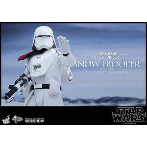 Star Wars - Episode VII: First Order Snowtrooper Officer 1:6 figure