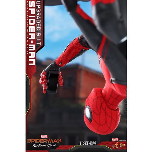 Hot toys Marvel: Far from Home - Upgraded Suit Spider-Man 1:6 Scale Figure