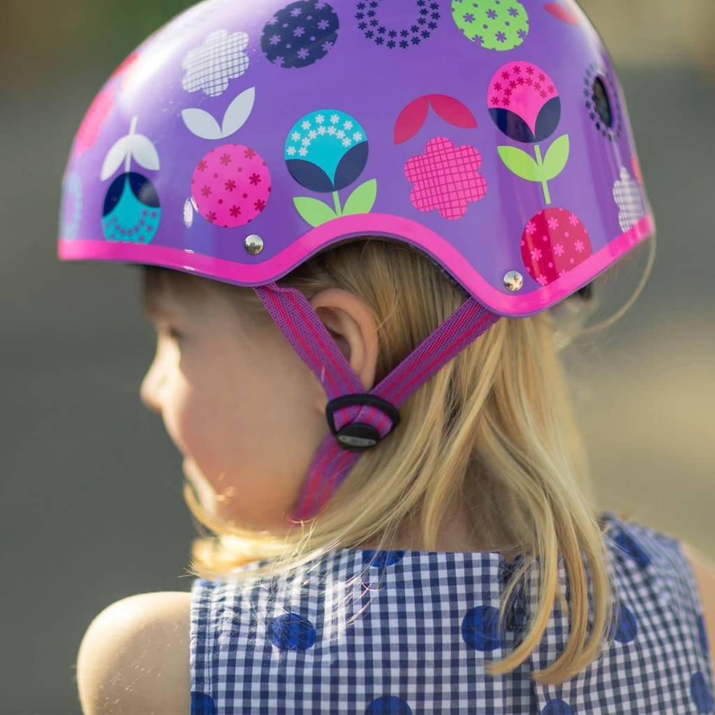 Micro Scooters Ltd Girls Micro Scooter Floral Dot Helmet