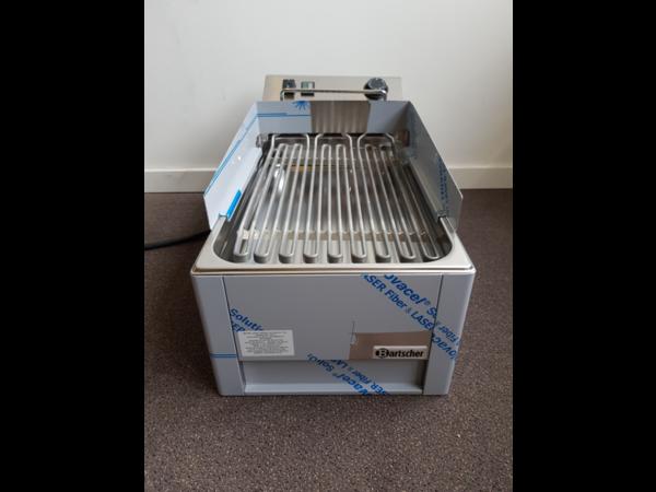 Bartscher SHOWMODEL | Watergrill 40 | Snelle Opwarmtijd | 400V | 320x630x(H)320mm
