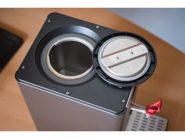 Bravilor Bonamat Hot water dispenser HWA 14 | 14 Liter | 242x568x (H) 501mm
