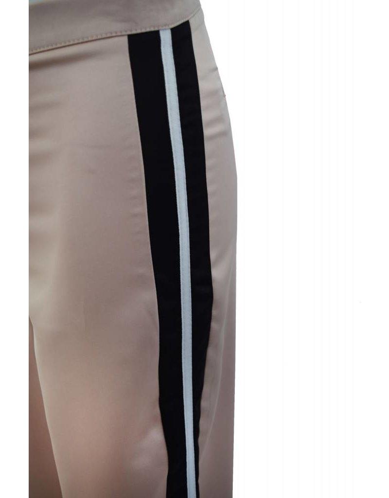 Que Guapa Side striped trouser