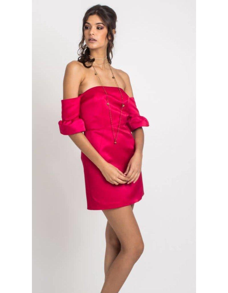 Que Guapa Adelaisa off shoulder dress