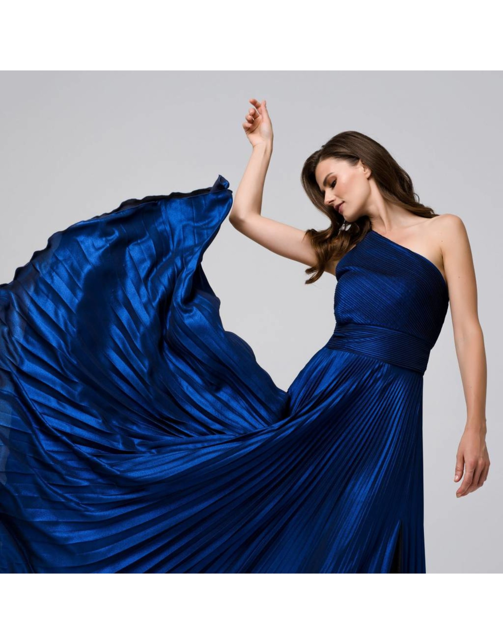 Access Abee Fashion Maxi one shoulder glitter moussline pleated dress