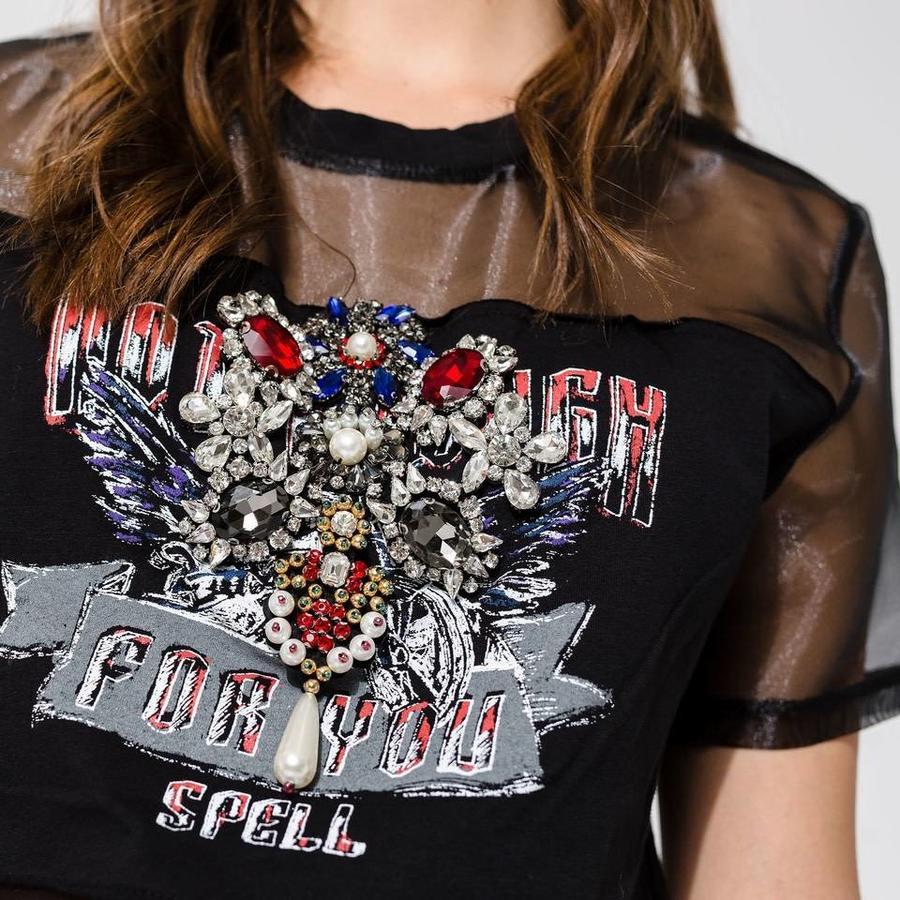 Shirt with aplique crystals