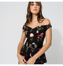 Access Abee Fashion Off shoulder flower printed top