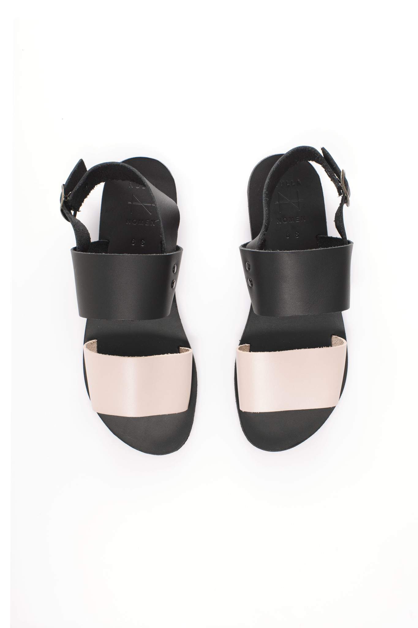 Nulla Nomen | Sandal black / Nude Vegetable Tanned Leather-3