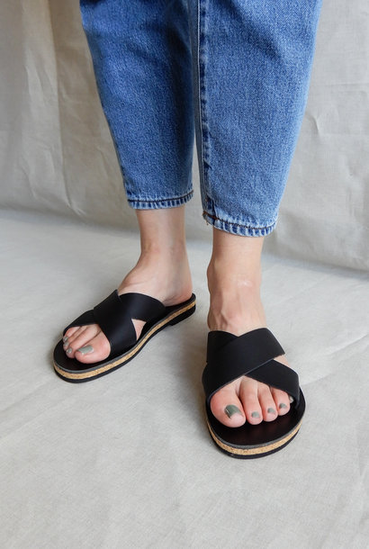 Slipper Cross Strap Black Vegetable Tanned Leather