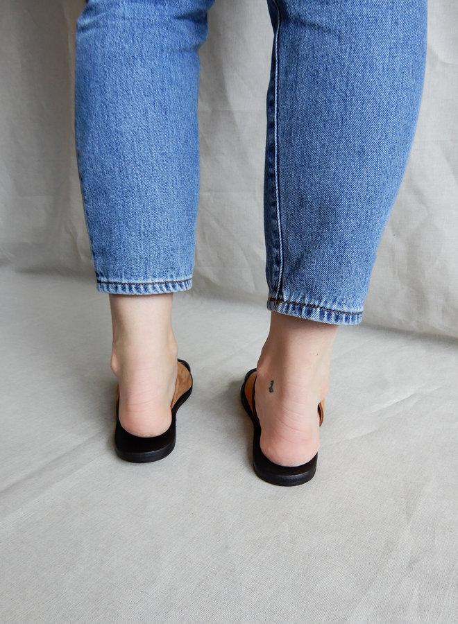 Nulla Nomen | Slipper Toe Strap Vegetable Tanned Leather