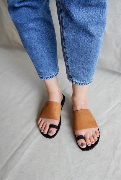 Slipper Toe Strap Vegetable Tanned Leather