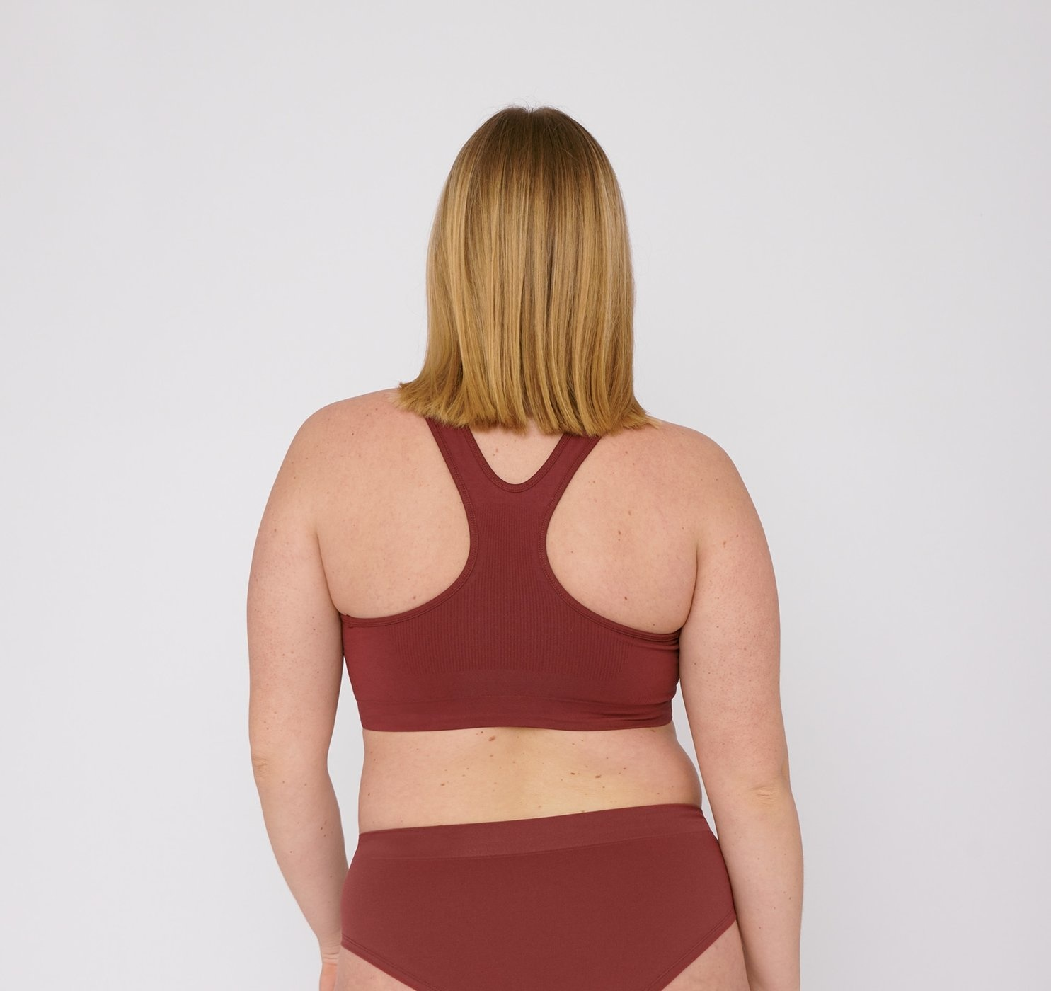 Organic Basics | SilverTech Workout Bra Burgundy-2