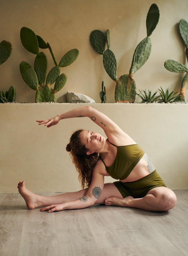 Active Yoga Shorts Olive