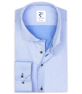 R2 Amsterdam overhemd lichtblauw donkerblauwe knopen