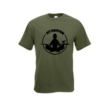 House of Carp Behalten Sie ruhiges T-Shirt - Armee-Grün