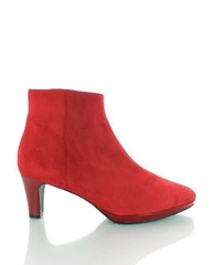 Producten getagd met rode laarsjes voor dames