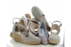 Schoenen en accessoires in de kleur beige