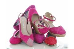 Schoenen en tassen in de kleur Roze