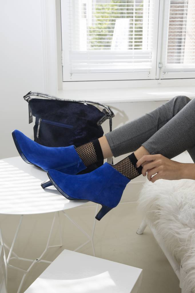 Yoho Yoho, love my Blue Suede Shoes :)