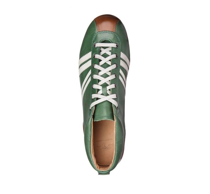 Carl Hässner   Liga   Vacheta green