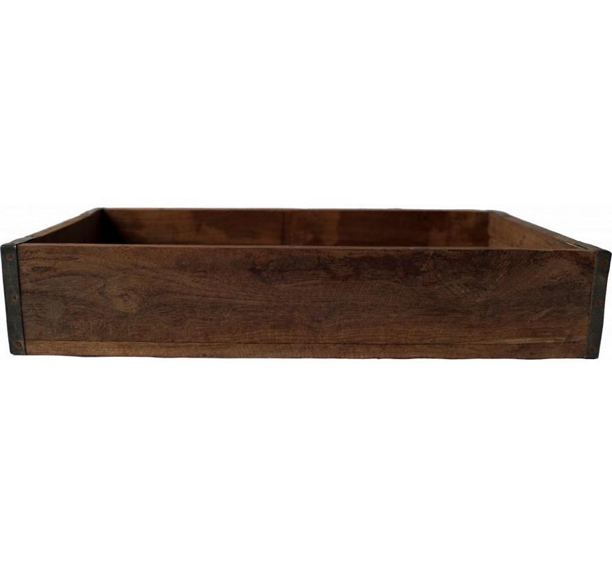 Niedriger Holzkasten mit rustikalem Look | Vintage Stil