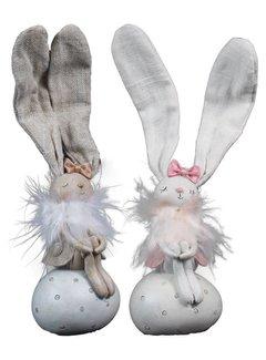 Osterhase auf Ei | Bella und Stella | 2 Farben