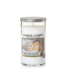 Yankee Candle Winter Glow - Medium Pillar