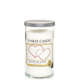 Yankee Candle Snow In Love - Medium Pillar