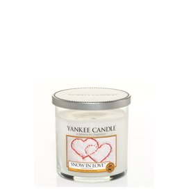 Yankee Candle Snow In Love - Small Pillar