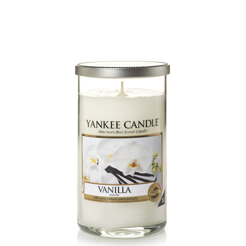 Yankee Candle Vanilla Medium Pillar