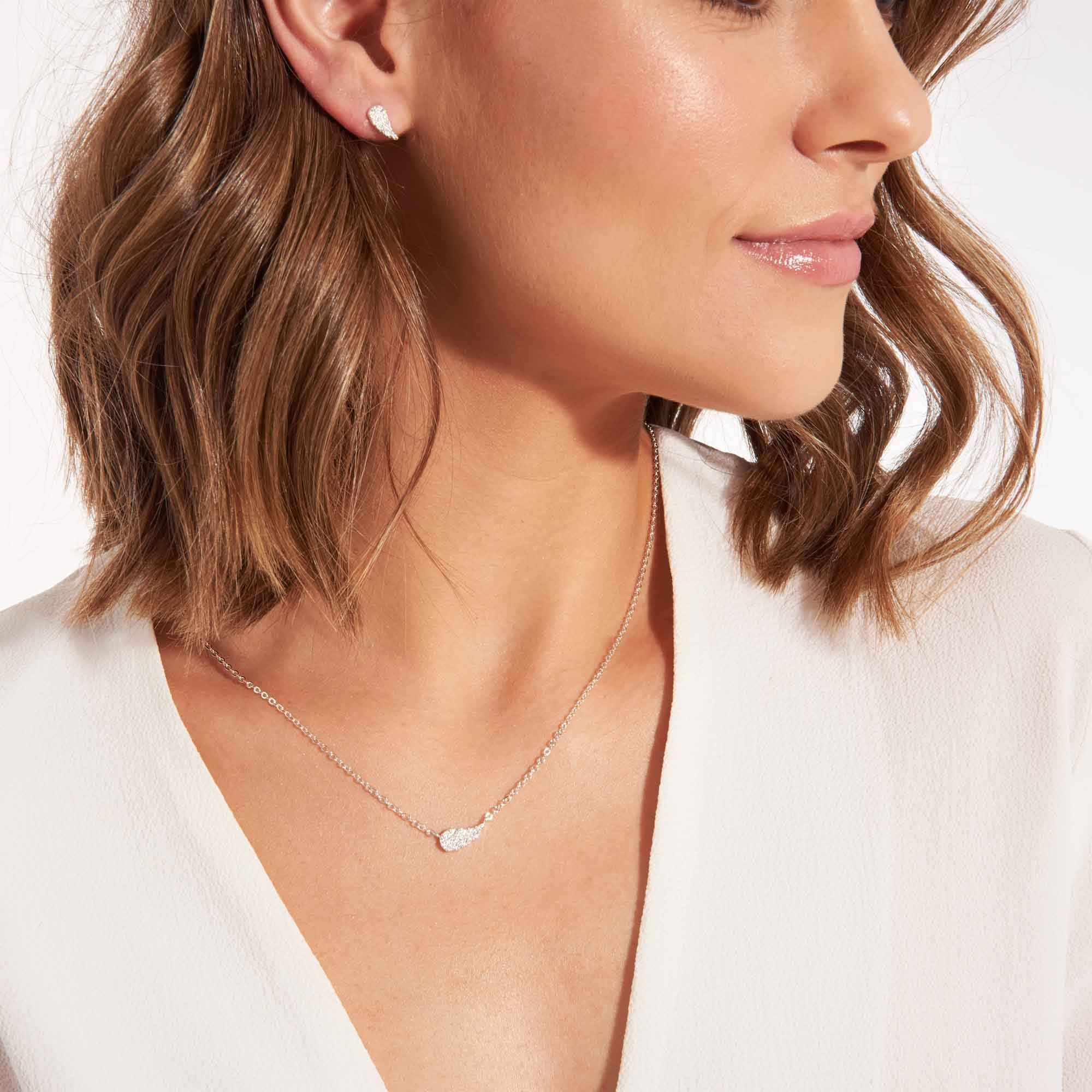 Joma Jewellery Juwelenset - Guardian Angel - Ketting & Oorbellen Zilver